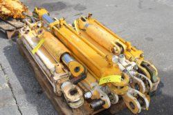 Hydraulikzylinder aus Ahlmann AS 12
