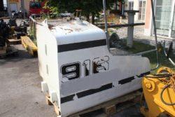 Tank aus Liebherr R 916, Kettenbagger